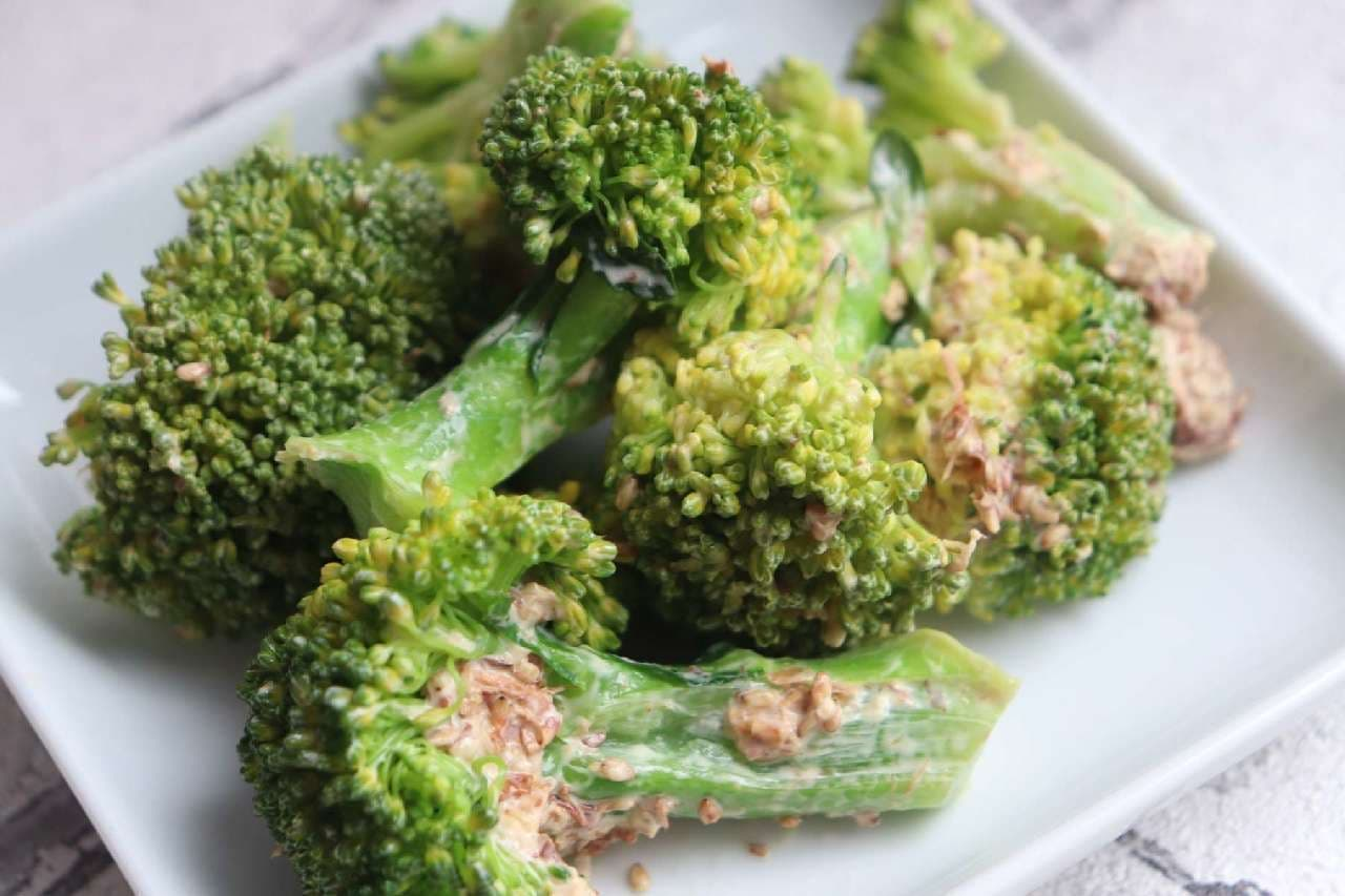 簡単レシピ「ブロッコリーおかかマヨ和え」