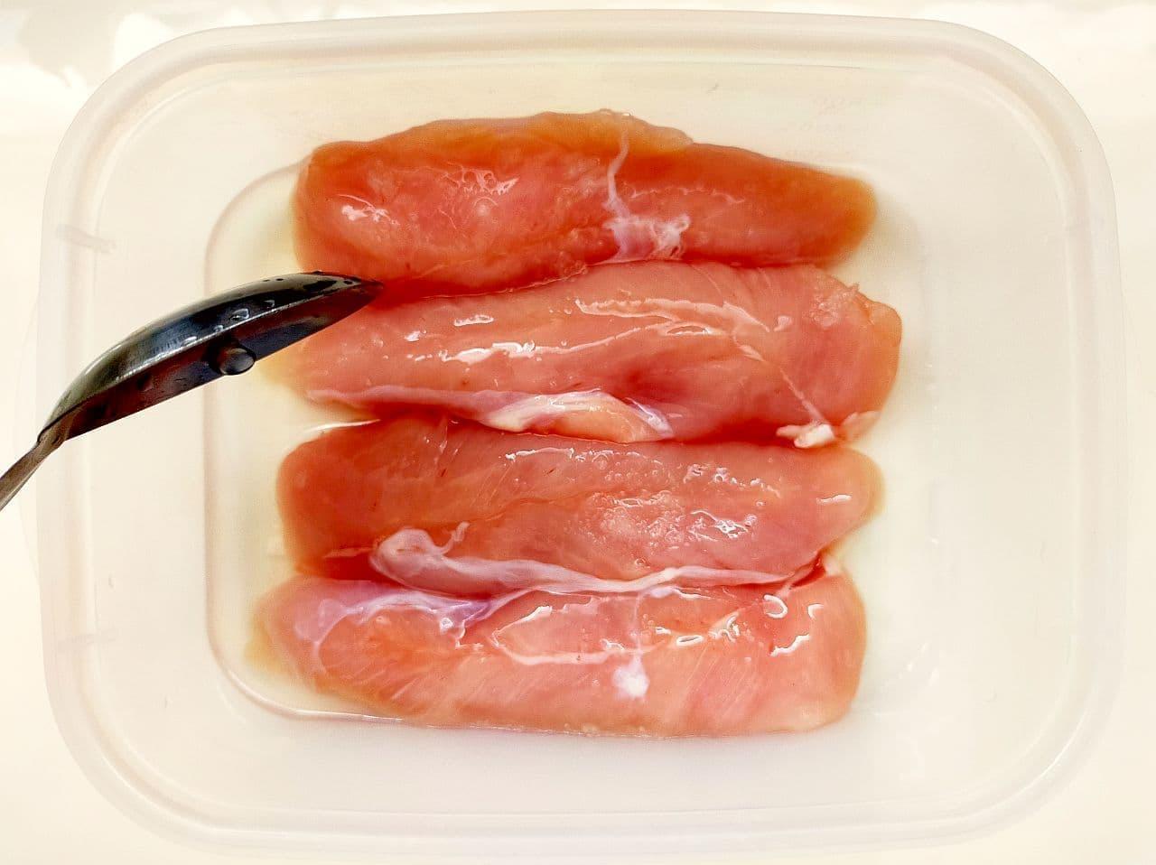 鶏ささみをレンジでやわらかく調理する方法