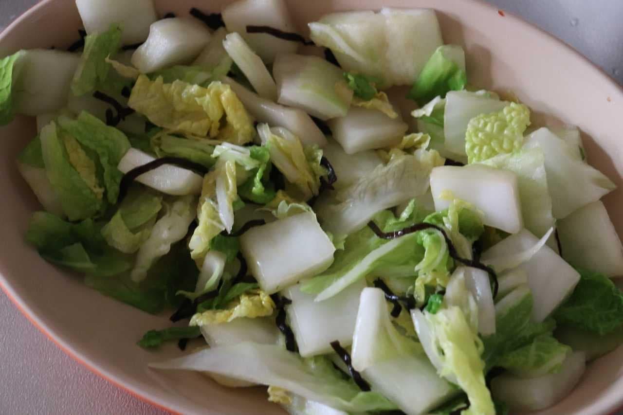 白菜の塩昆布バター和え