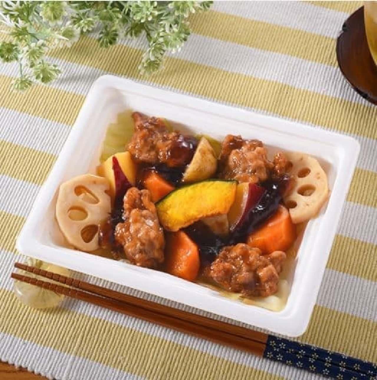 ファミリーマート「鶏と根菜の黒酢だれ和え」