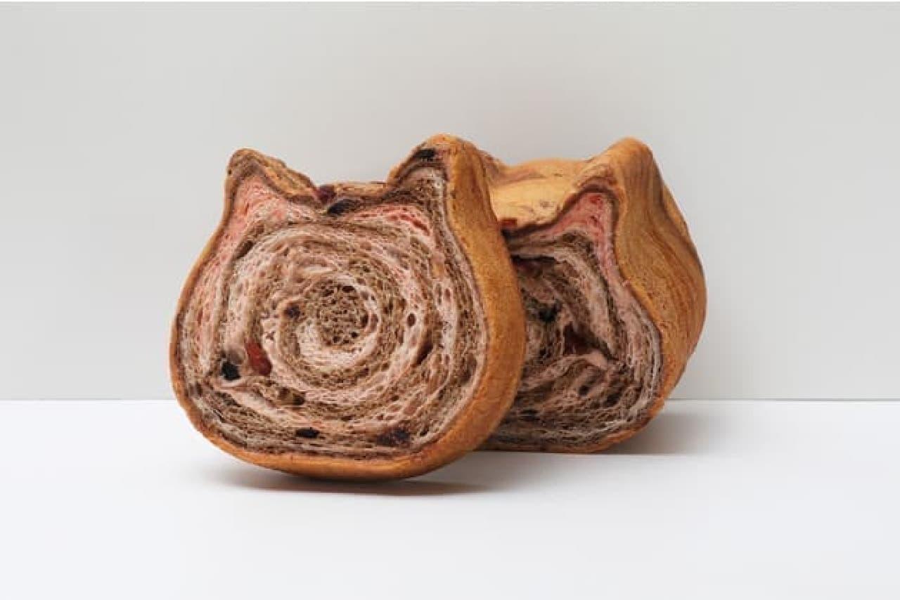 3月限定フレーバー「ねこねこ食パン いちごとちょこ」