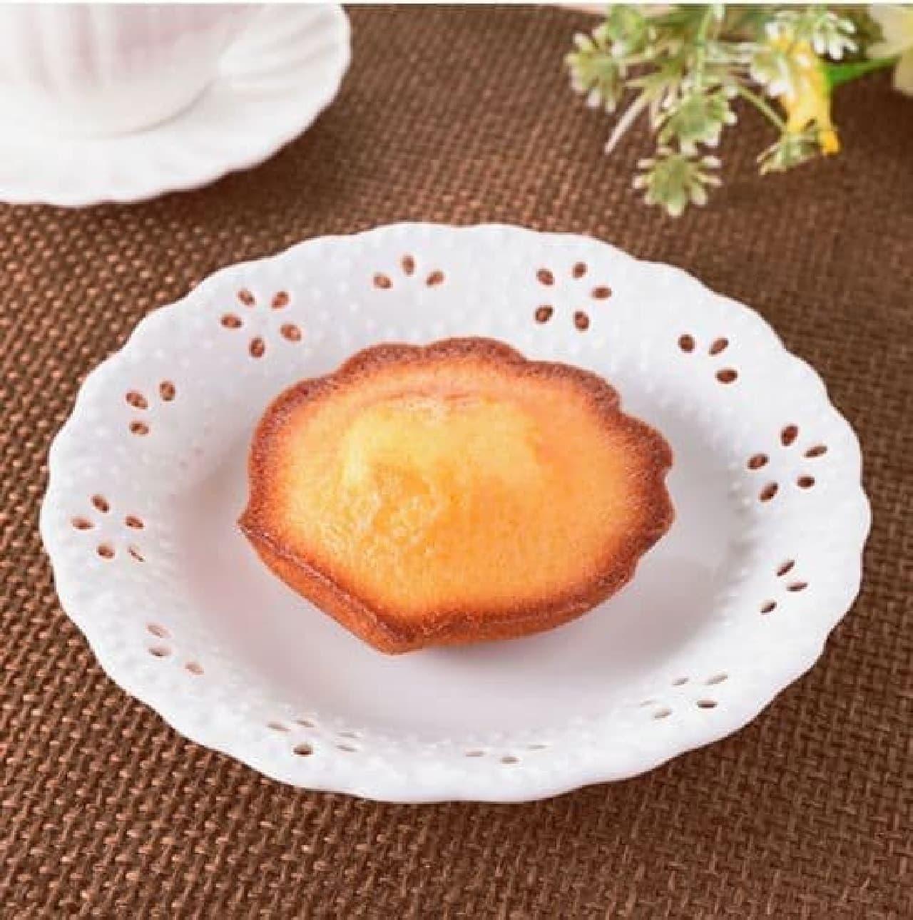 ファミリーマート「こだわりのマドレーヌ フランス産発酵バター使用」