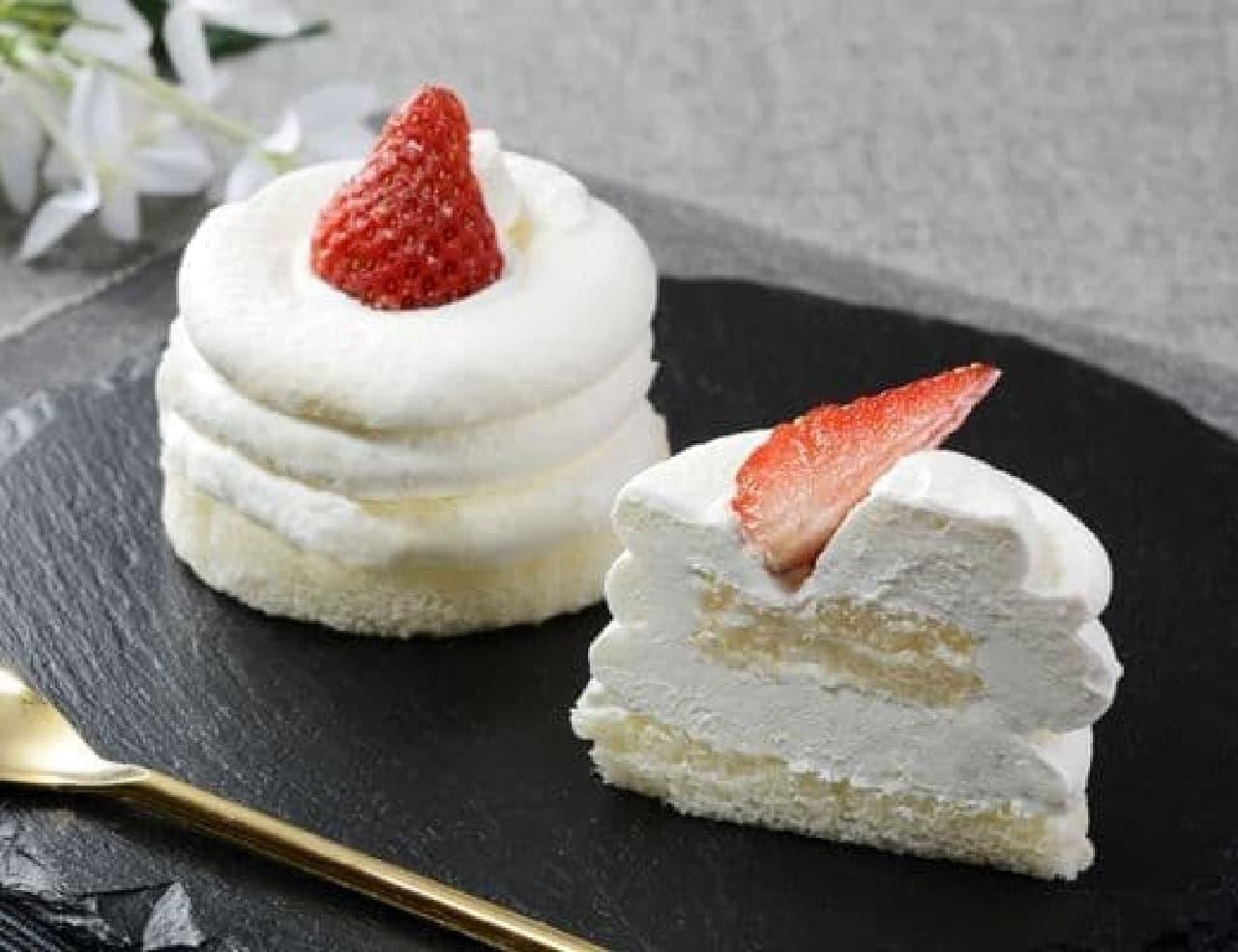 ローソン「Uchi Cafe Specialite 絹白クリームの苺ショート」