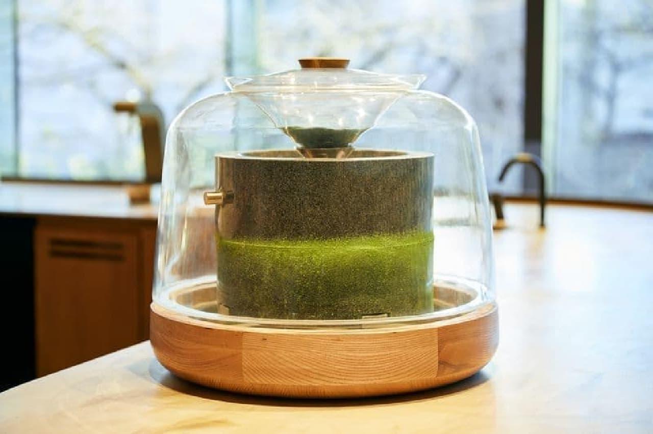 スターバックス リザーブ ロースタリー 東京 石臼で挽きたての抹茶を使ったビバレッジ