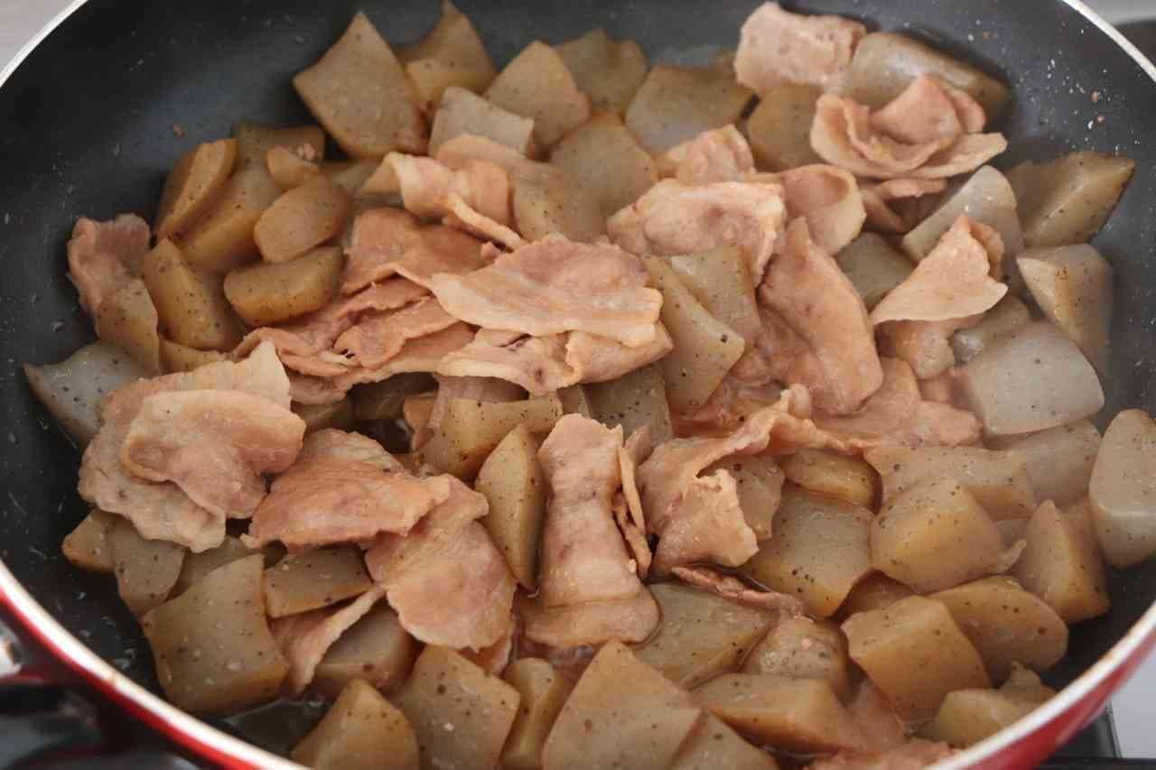 豚バラこんにゃく炒め煮