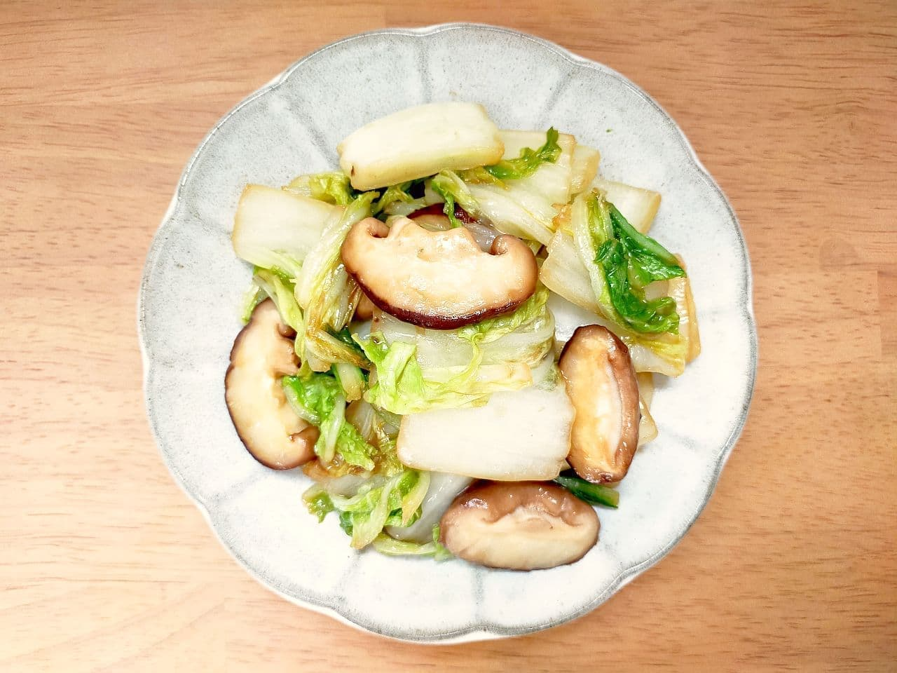 """""""Chinese cabbage and shiitake butter saute"""" recipe"""