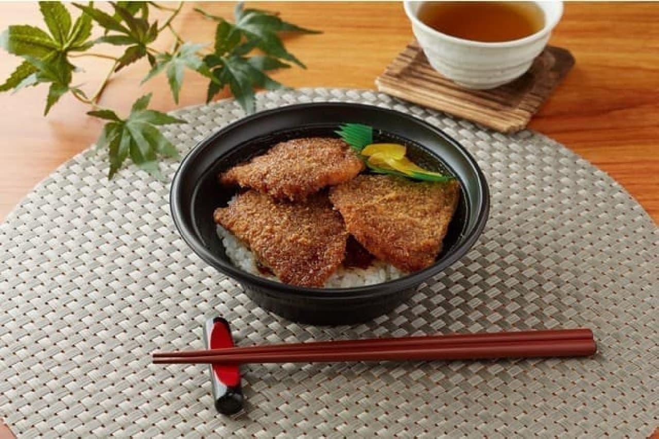ファミリーマート「ソースカツ丼」