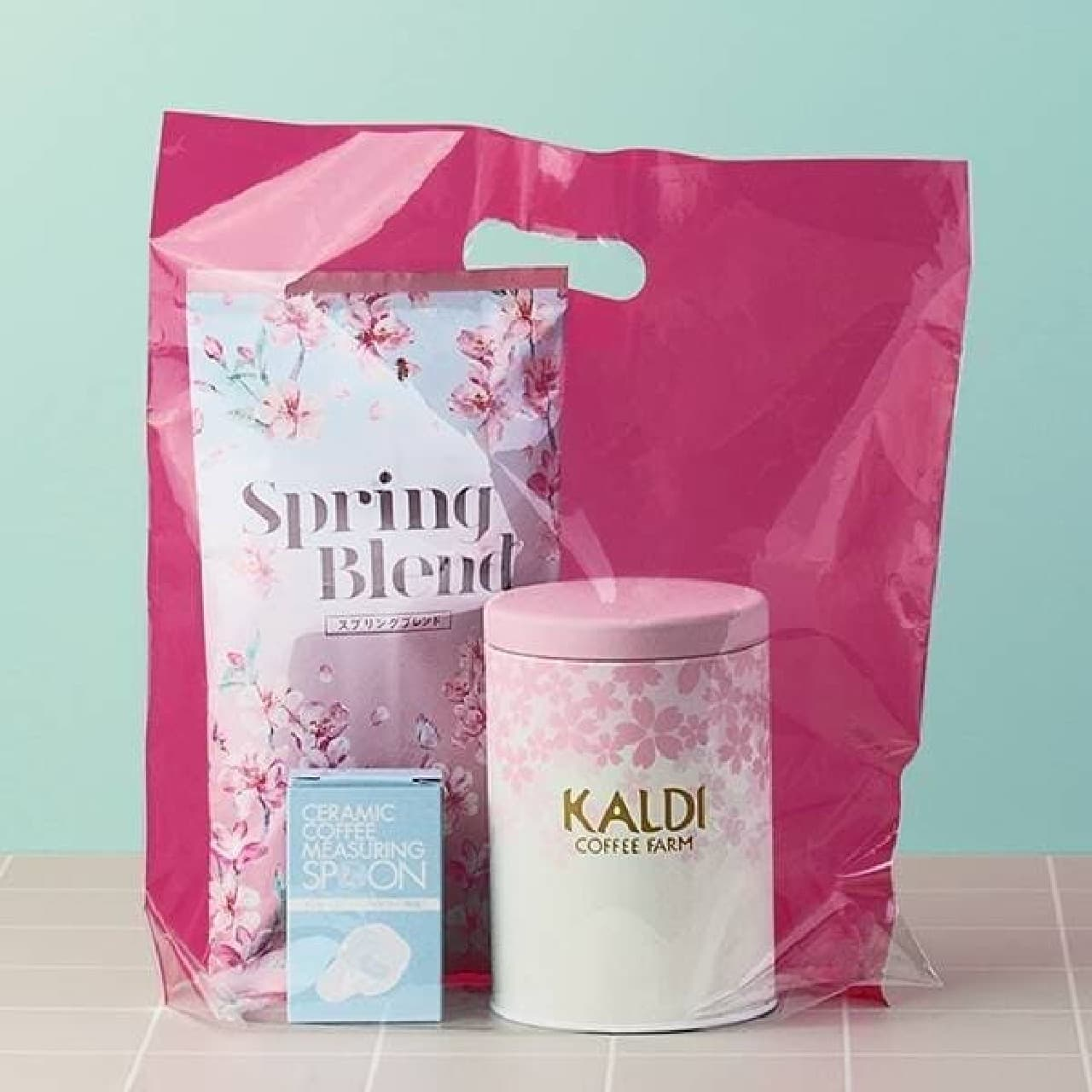 カルディ「春のキャニスター缶セット」