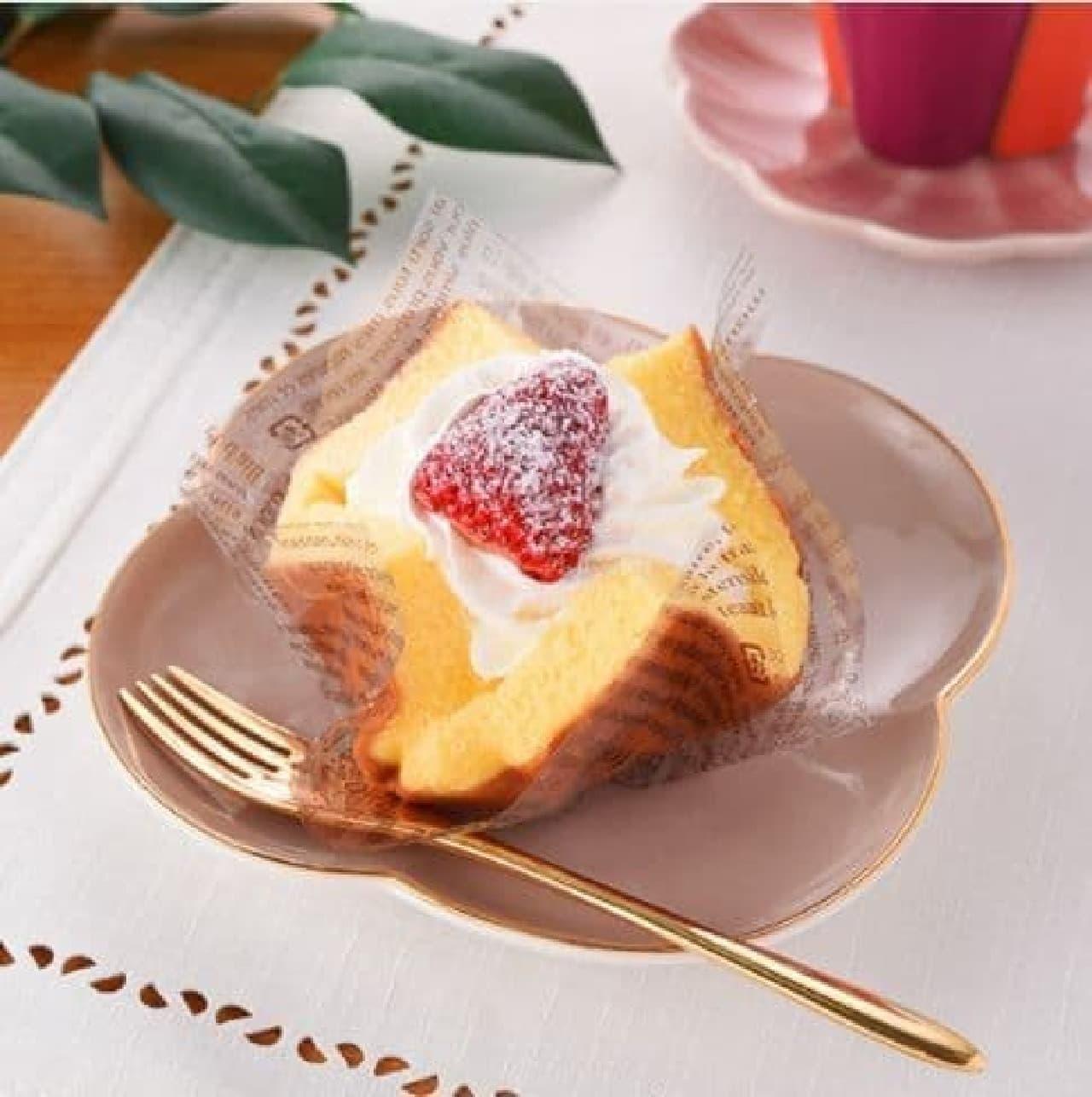 ファミリーマート「いちごのふわふわケーキ」