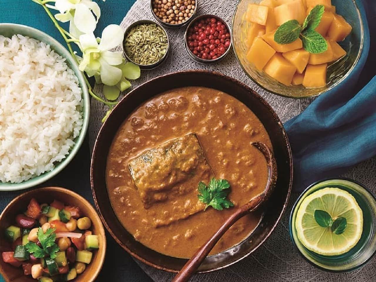 中村屋と清水食品が共同開発したサバカリーのレトルト食品