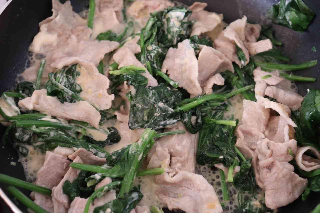豚バラほうれん草の味噌マヨ炒め