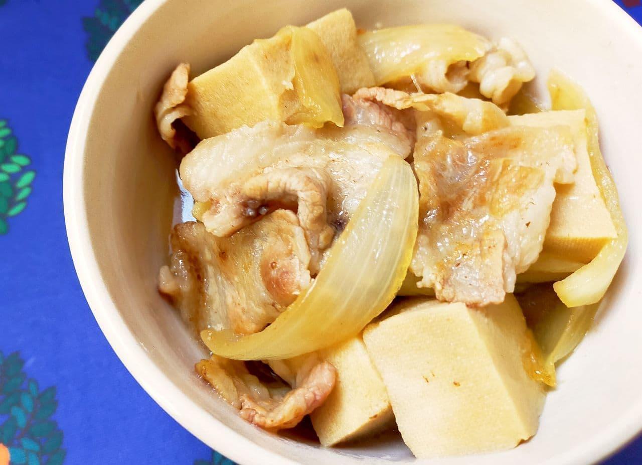 「高野豆腐と豚バラの肉豆腐」レシピ
