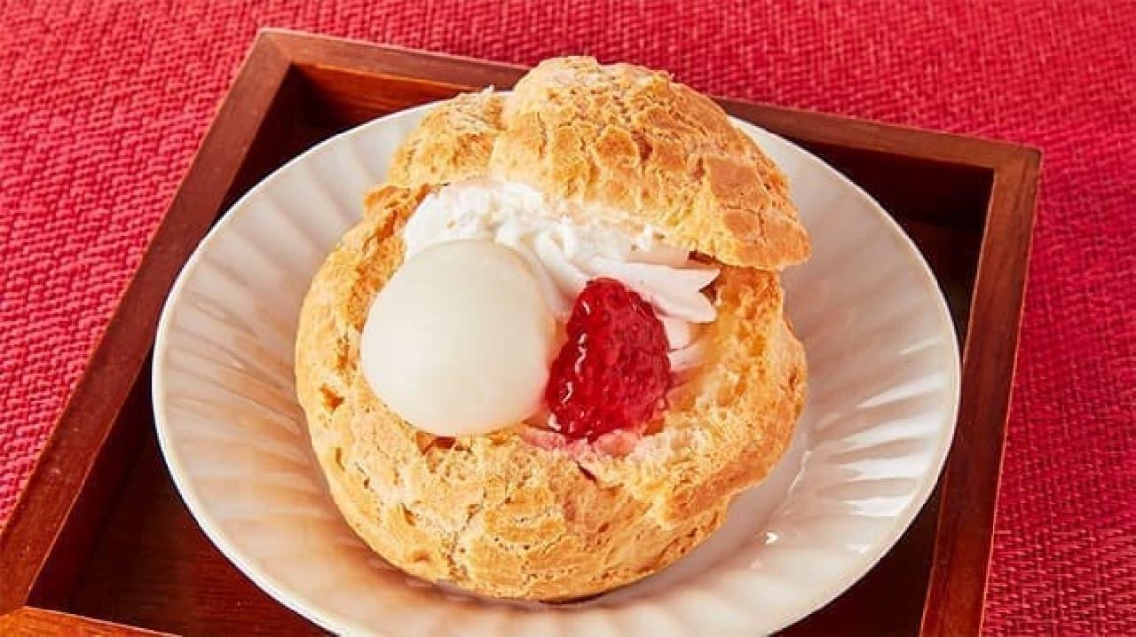 ローソンストア100「わっ!苺と白玉のぜんざいシュー」