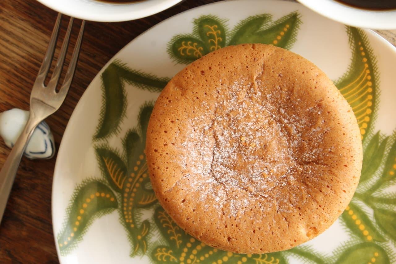 ファミマ「パンケーキにプリン入れちゃいました!」