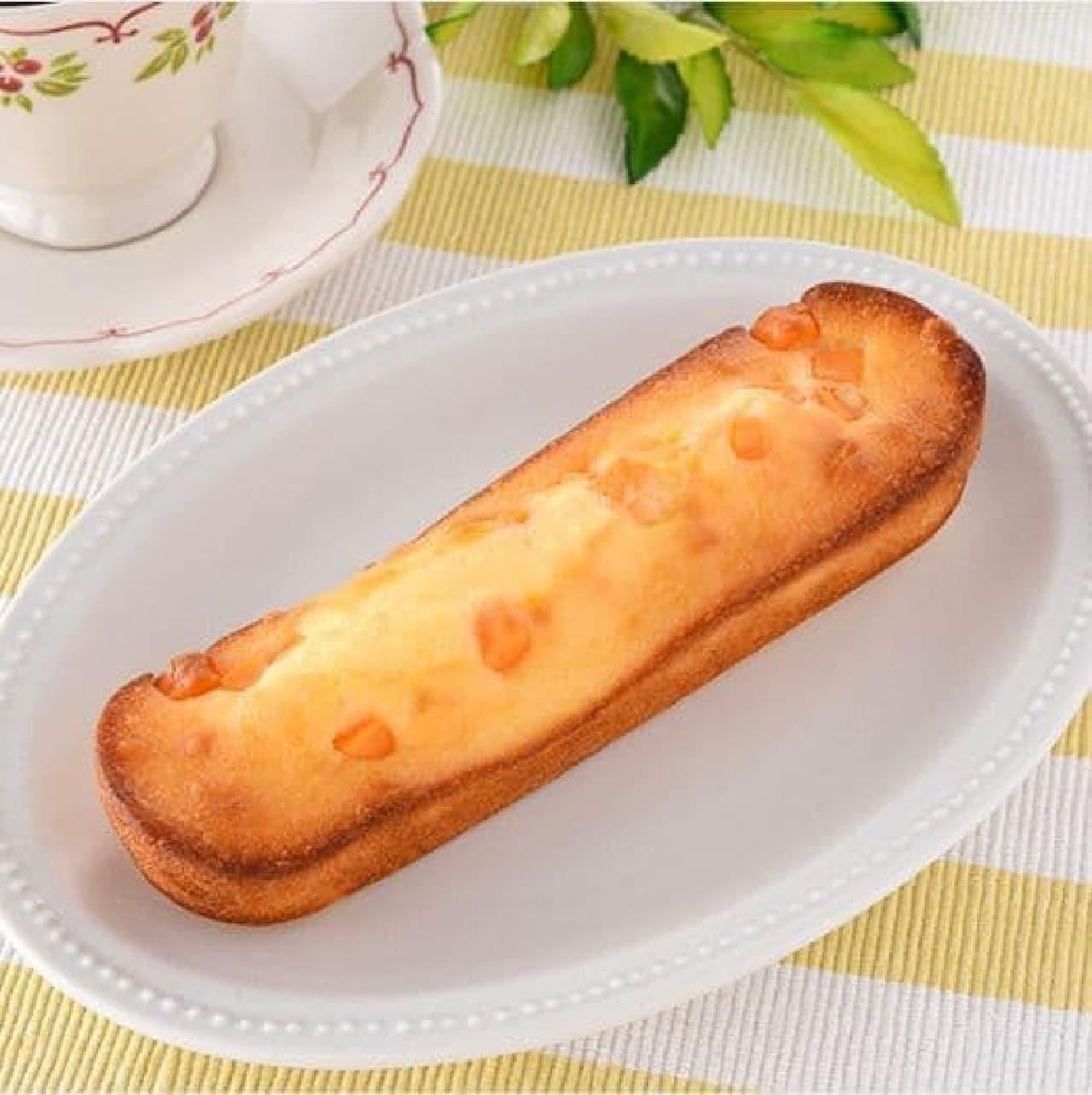 ファミリーマート「しっとりケーキ(角切りチーズ)」