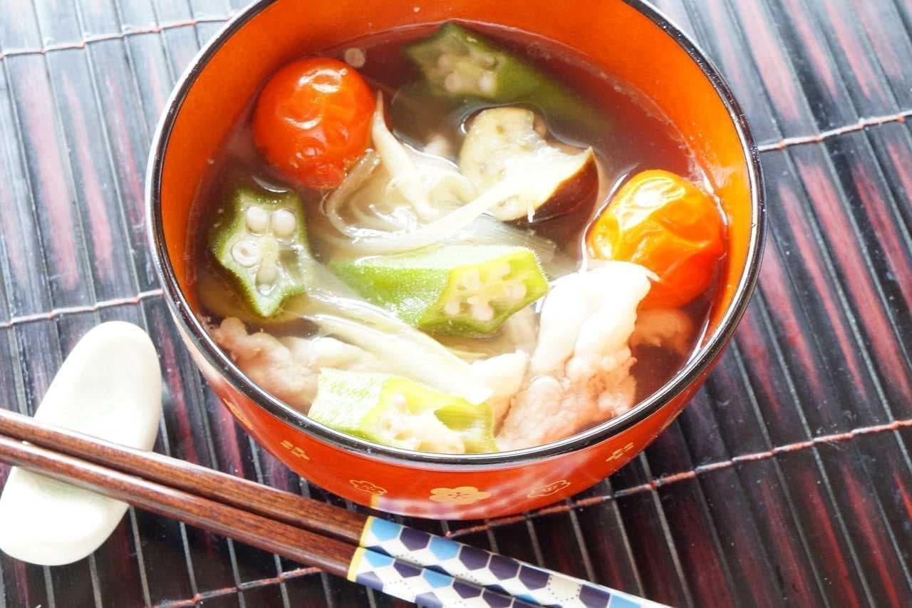 「夏野菜の豚汁」のレシピ