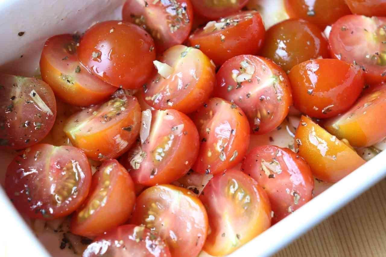 「ミニトマトのガーリックオイル和え」レシピ