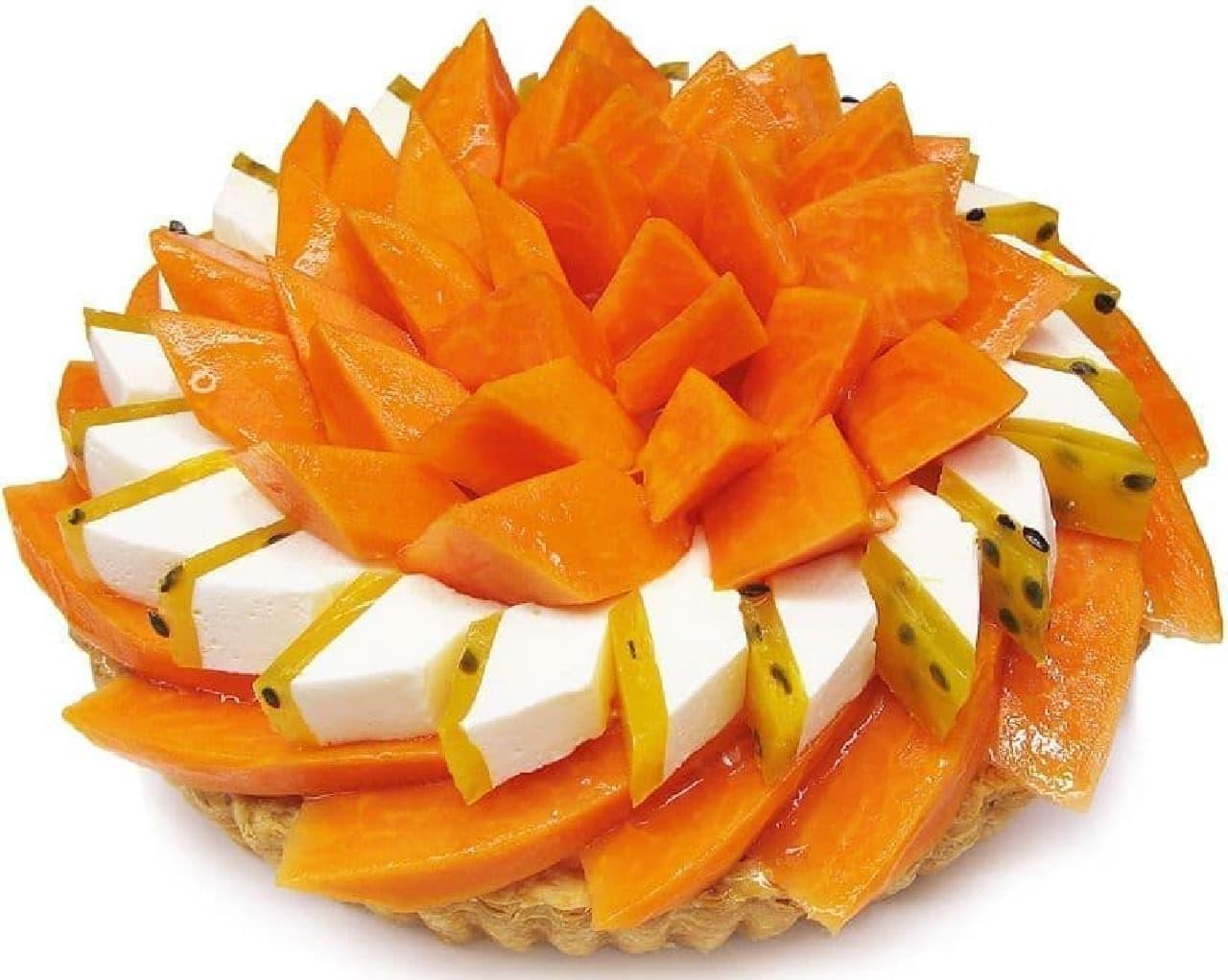 カフェコムサ「宮崎県産『完熟パパイア』とパッションフルーツのケーキ」