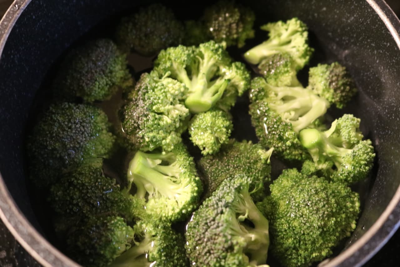 レシピ「ブロッコリーサラダ」