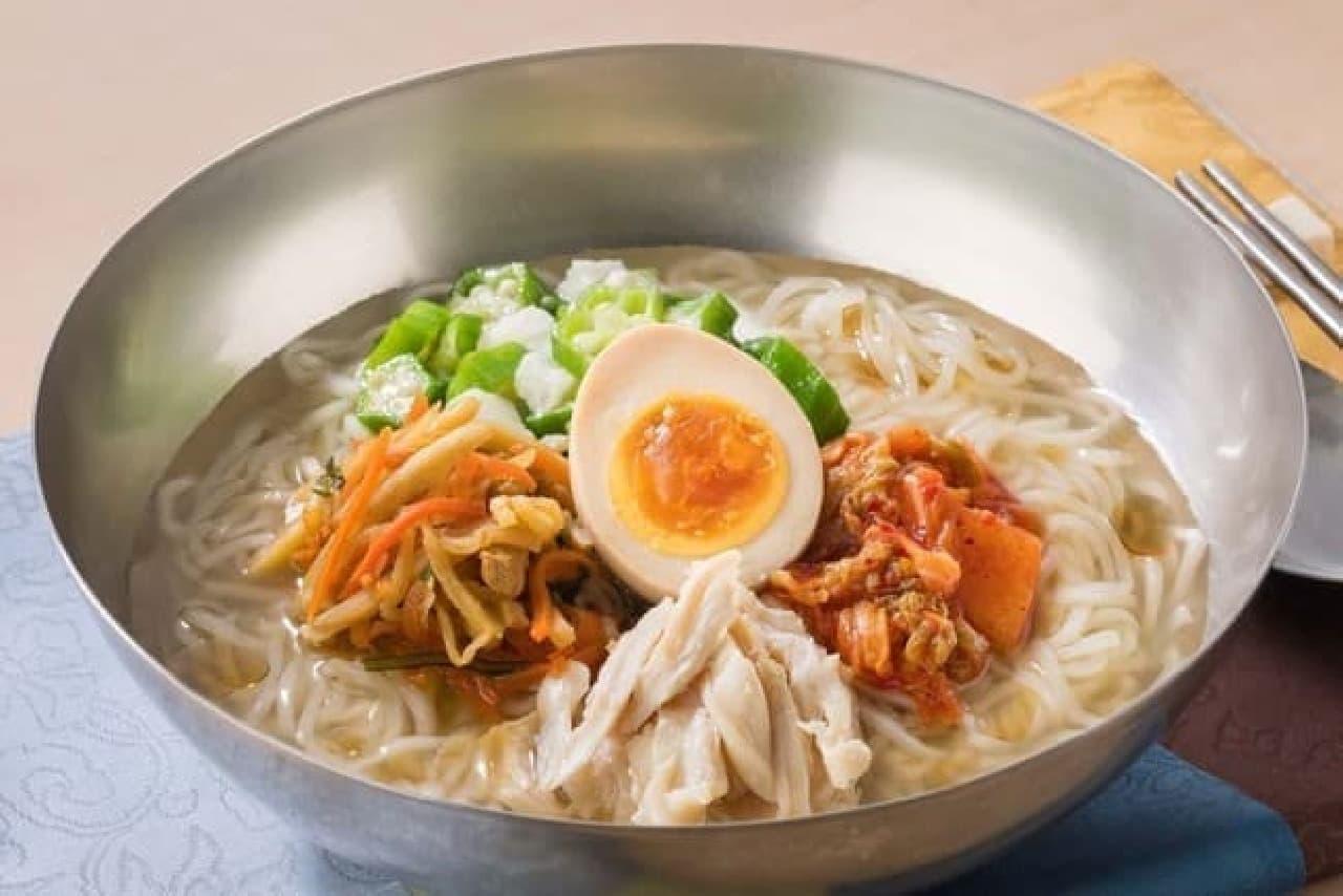 ガスト「山芋オクラの冷麺~のどごし麺とコクのスープ」