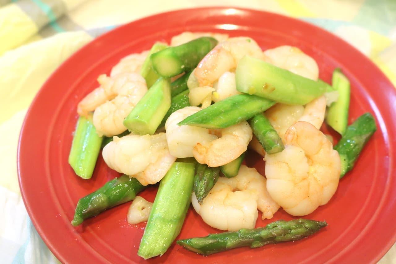 レシピ「えびとアスパラの炒め物」