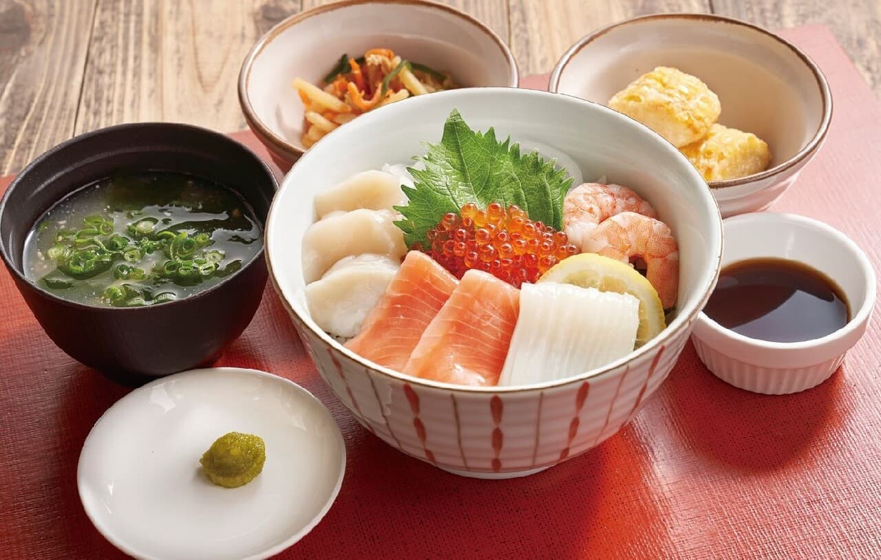 ジョナサン「北海海鮮丼(みそ汁・小鉢付)と北海道産トウモロコシの唐揚げ」