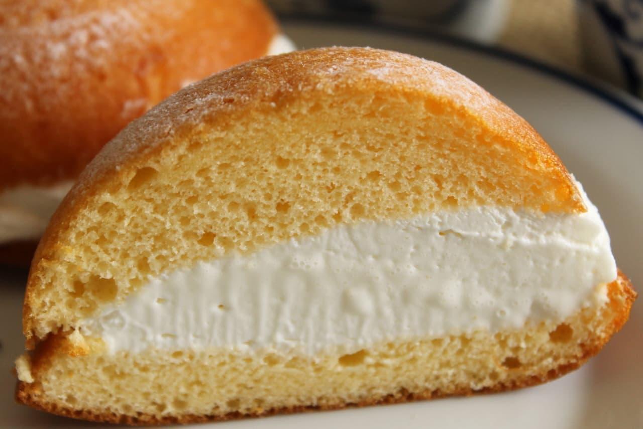 """FamilyMart (Famima) sweets """"Cream chiffon Maritozzo style"""""""