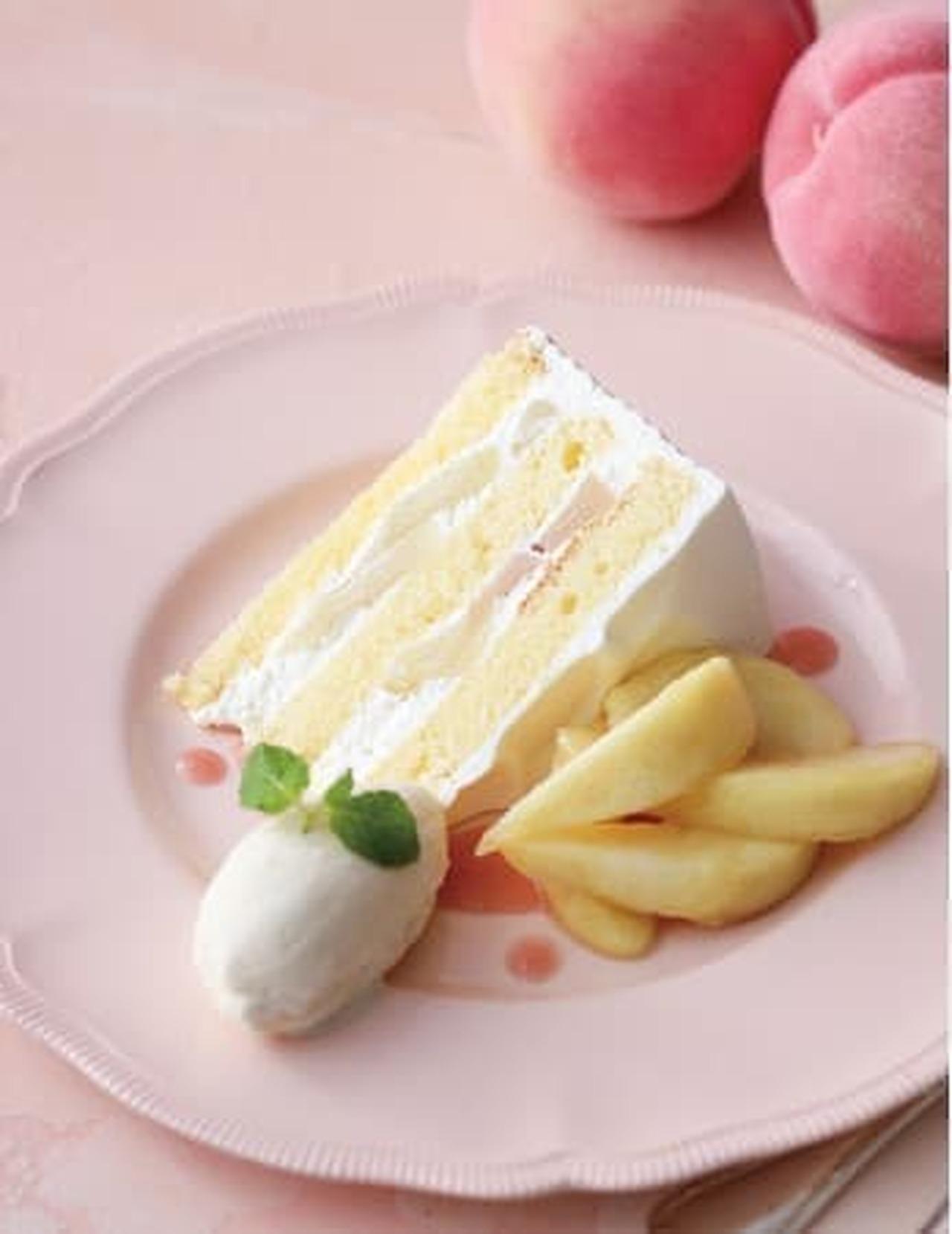 キハチ カフェ「白桃のショートケーキ バニラアイス添え」