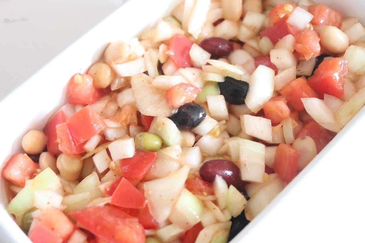 「トマトと豆のサルササラダ」レシピ