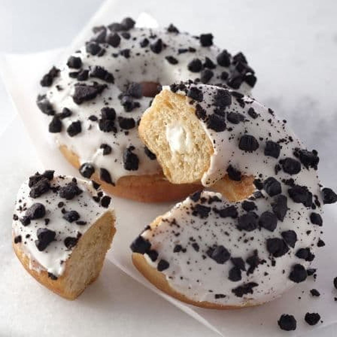 スターバックス「クッキー&クリームドーナツ」
