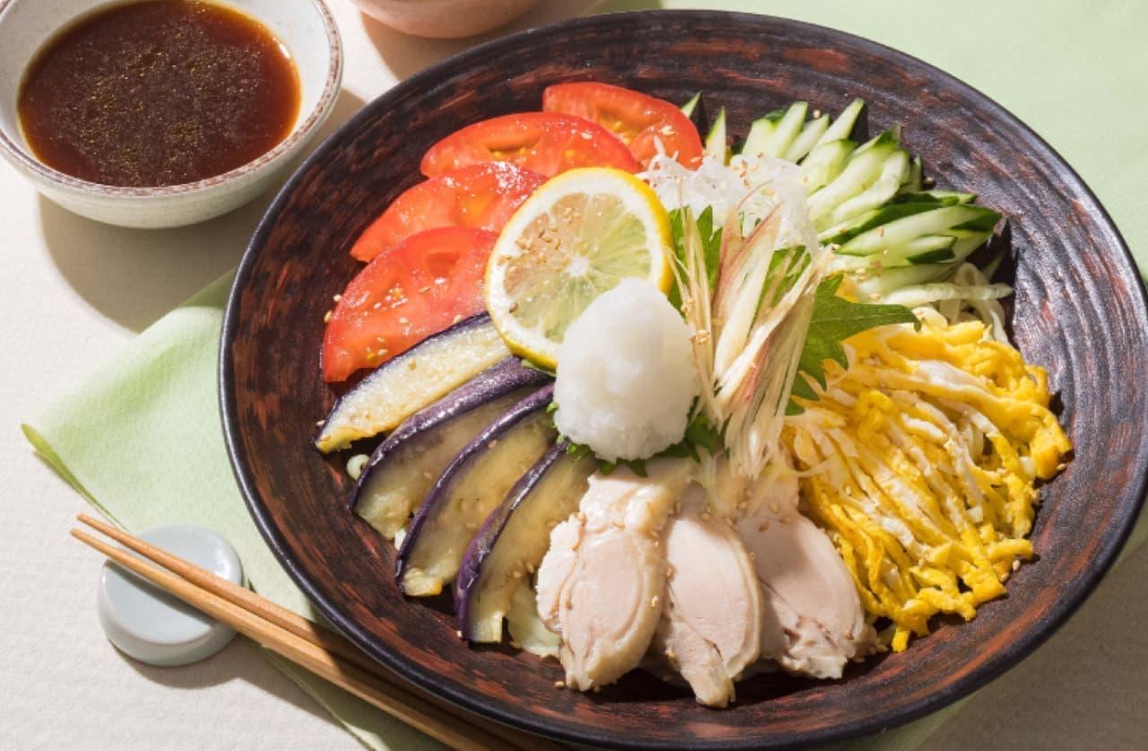 大戸屋「夏野菜と鶏肉の冷やし麺」「夏野菜と鶏そぼろ肉の冷やし麺」
