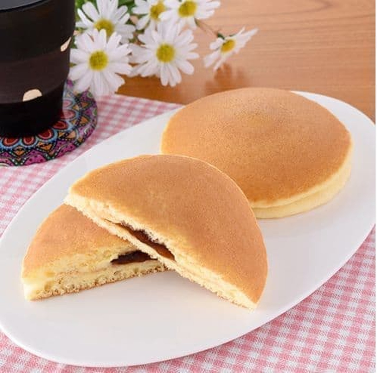 ファミリーマート「ふんわりおいしい!ホットケーキ(メープル&マーガリン)」