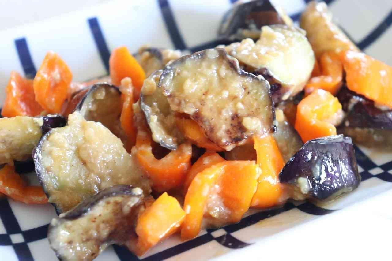 「なすパプリカの味噌炒め」レシピ