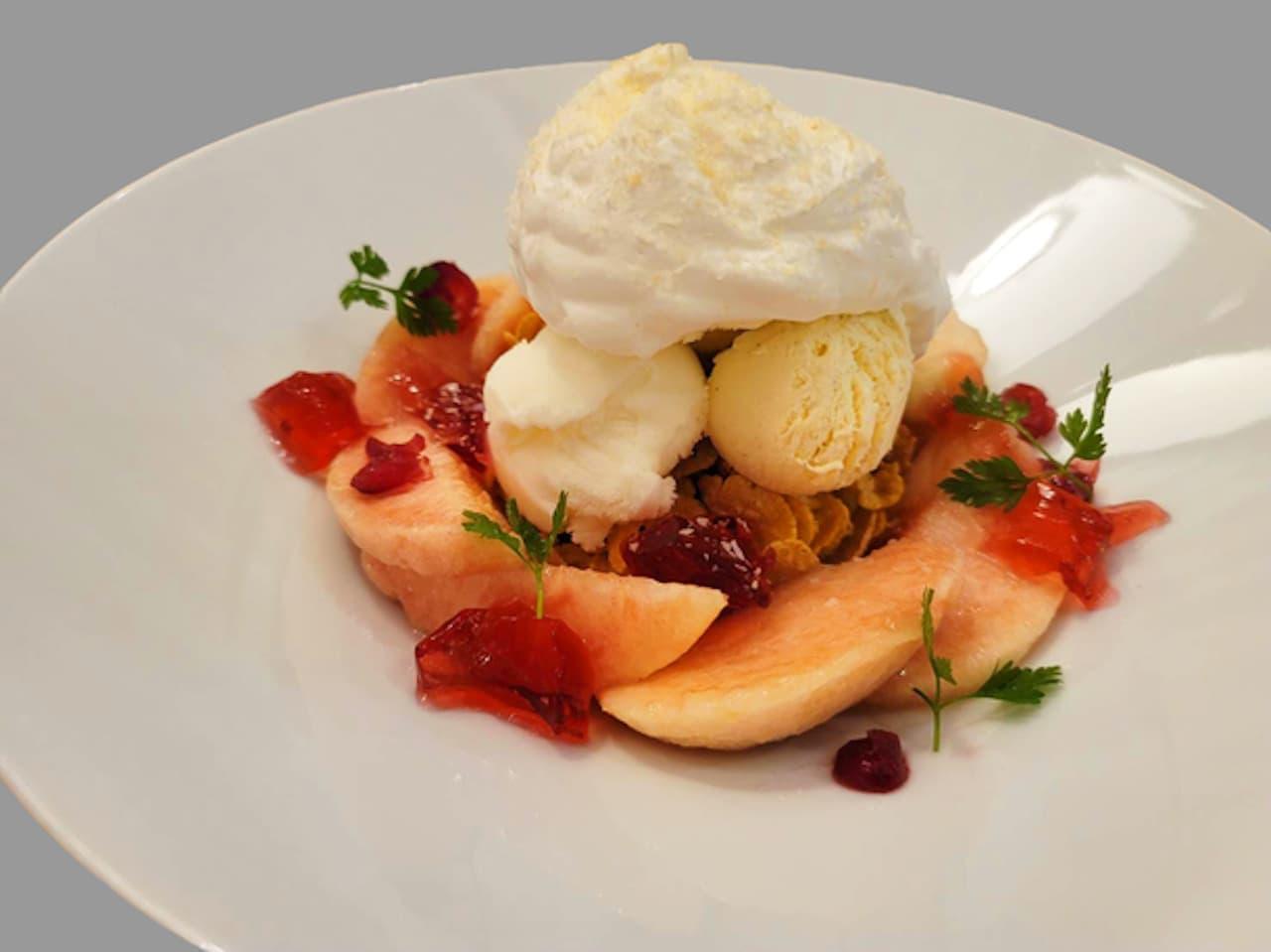 「国産白桃とローズヒップジュレのパフェ」幸せのパンケーキから