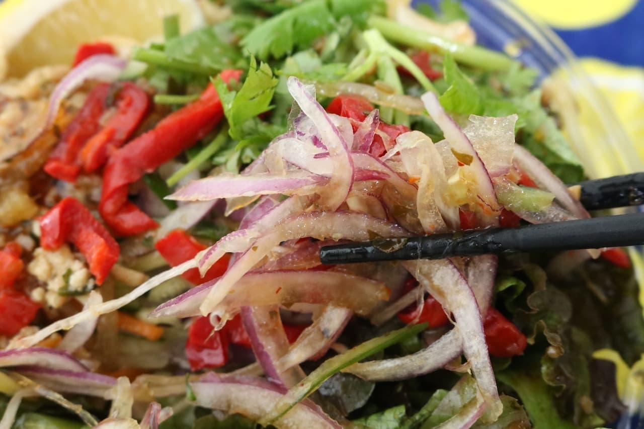 成城石井「鶏ひき肉ガパオのピリ辛冷やしまぜ麺」