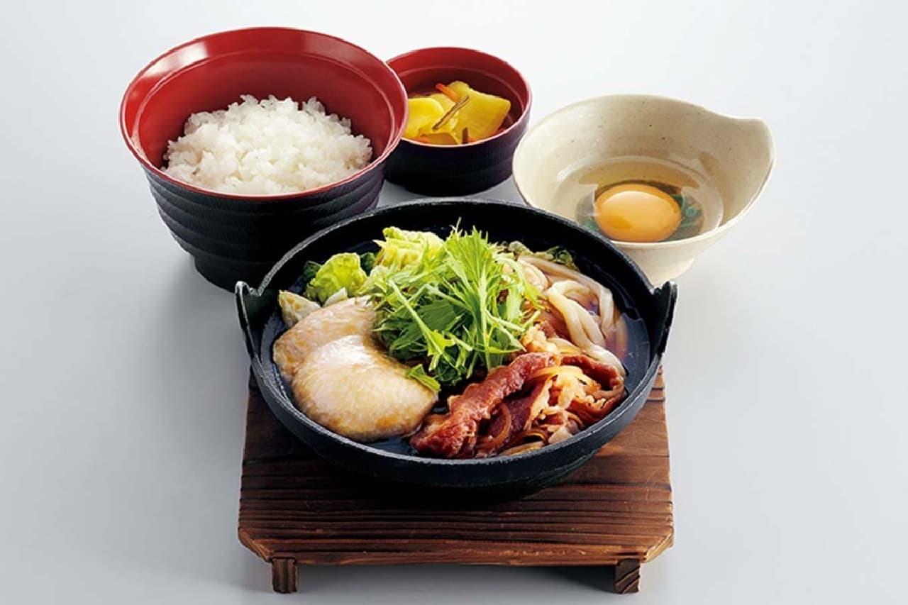 ジョイフル「すき焼き鍋定食(うどん麺入り)」
