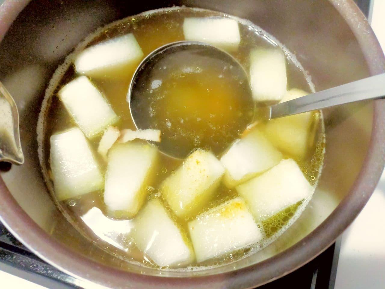 「冬瓜とベーコンのとろとろスープ」レシピ