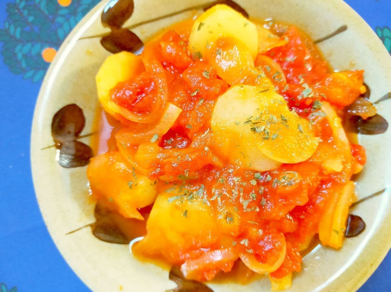 「じゃがいもトマト煮」レシピ
