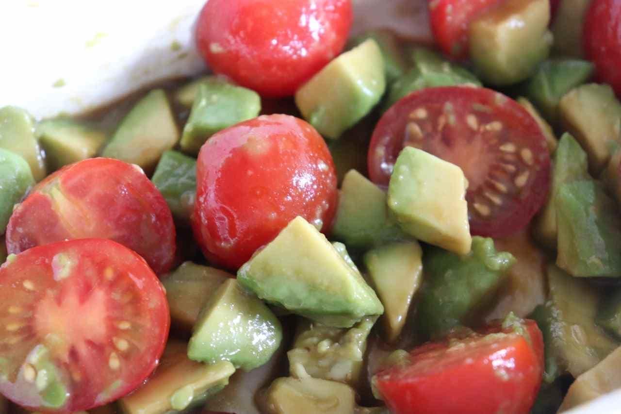 「アボカドとミニトマトのからし醤油和え」のレシピ