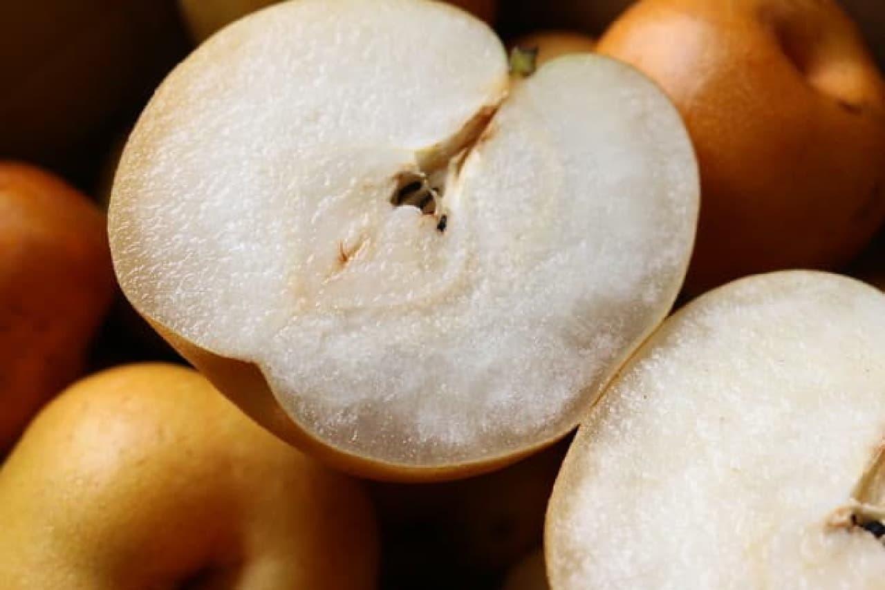 果実内の糖分が偏って蜜症になった梨