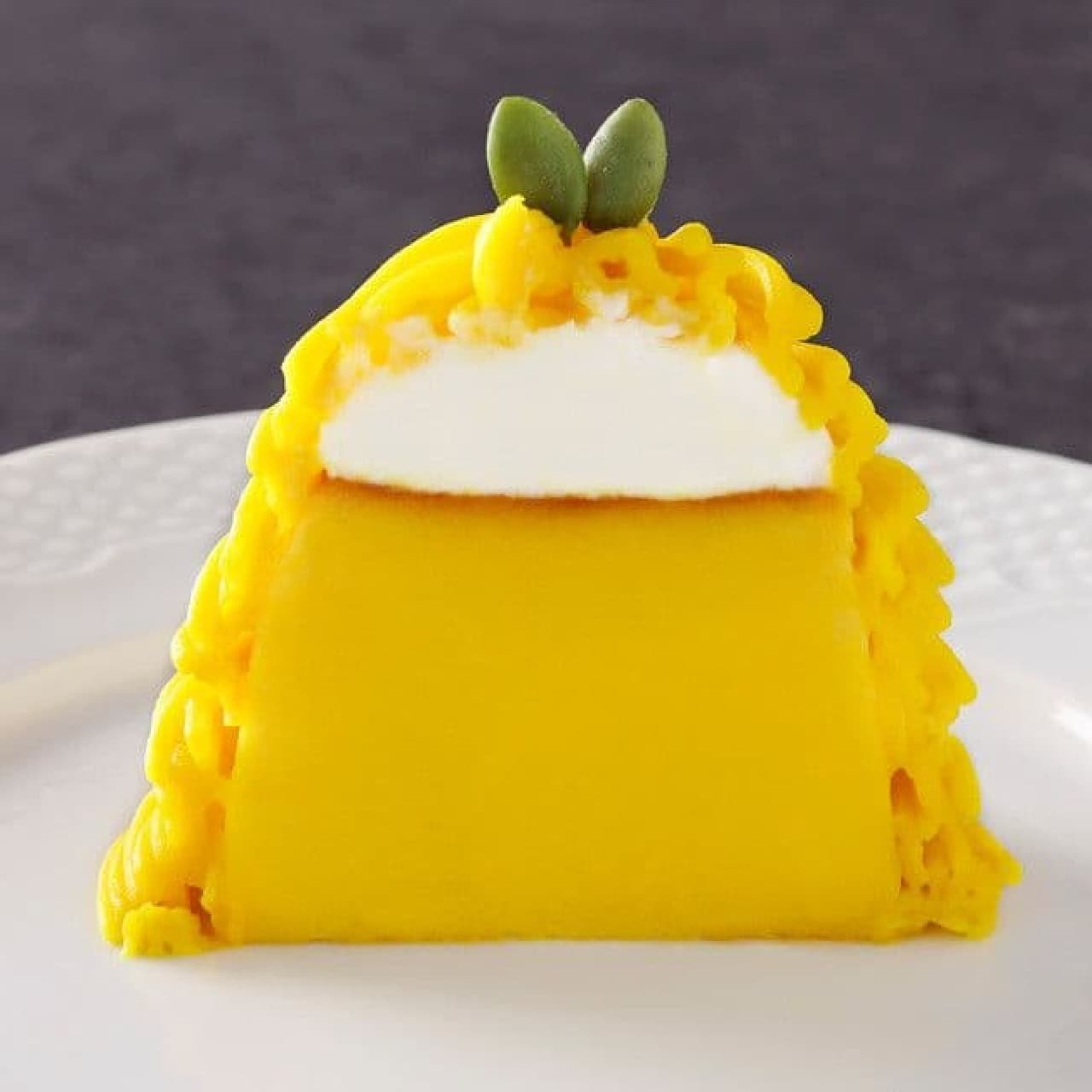 """In love with pudding, """"squeezed pumpkin Mont Blanc pudding"""""""