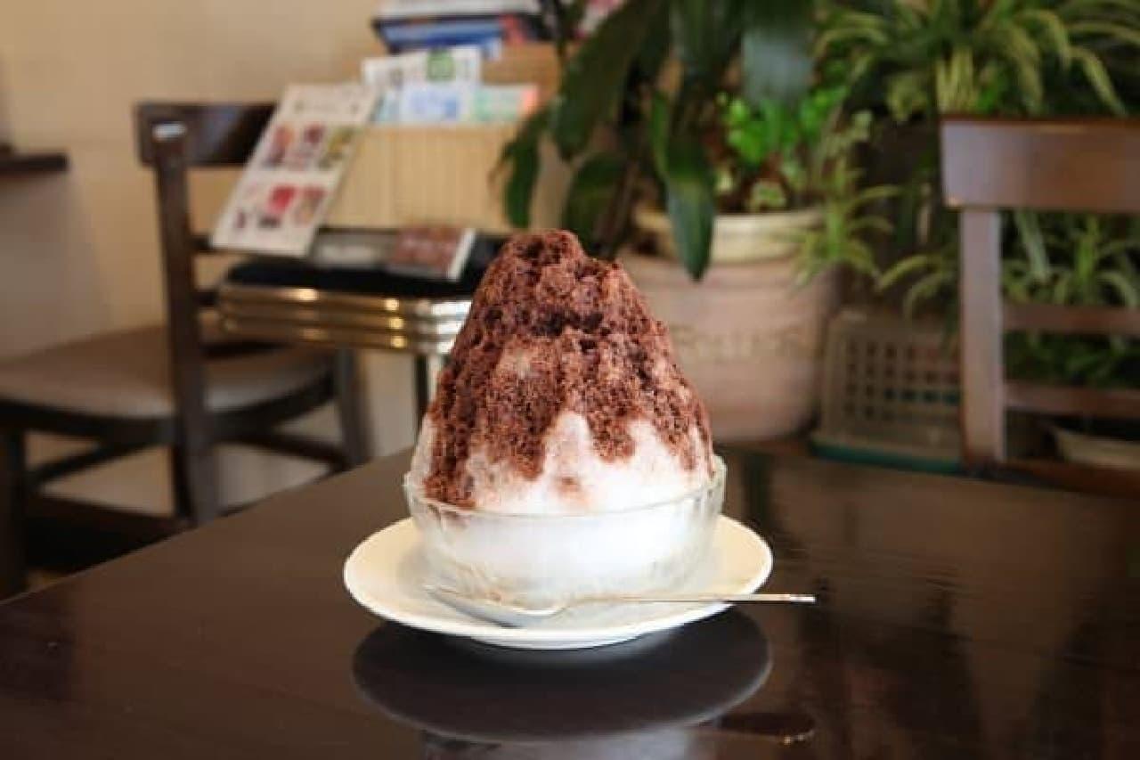 「カレー専用かき氷のシロップ」で  かき氷がカレーのデザートに