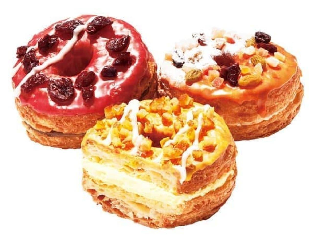 フルーツが載った  夏季限定の Mr.CroissantDonutFruit たち
