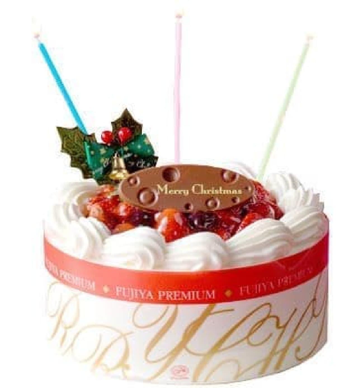 「ダブルベリーのクリスマスケーキ」のイメージ  ※チョコプレートのデザインは変更予定とのこと