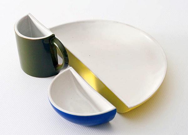 「HALVED」は、半分になった皿、ボウル、マグカップのセット