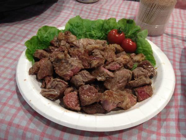 試食用のお肉、いただきます!