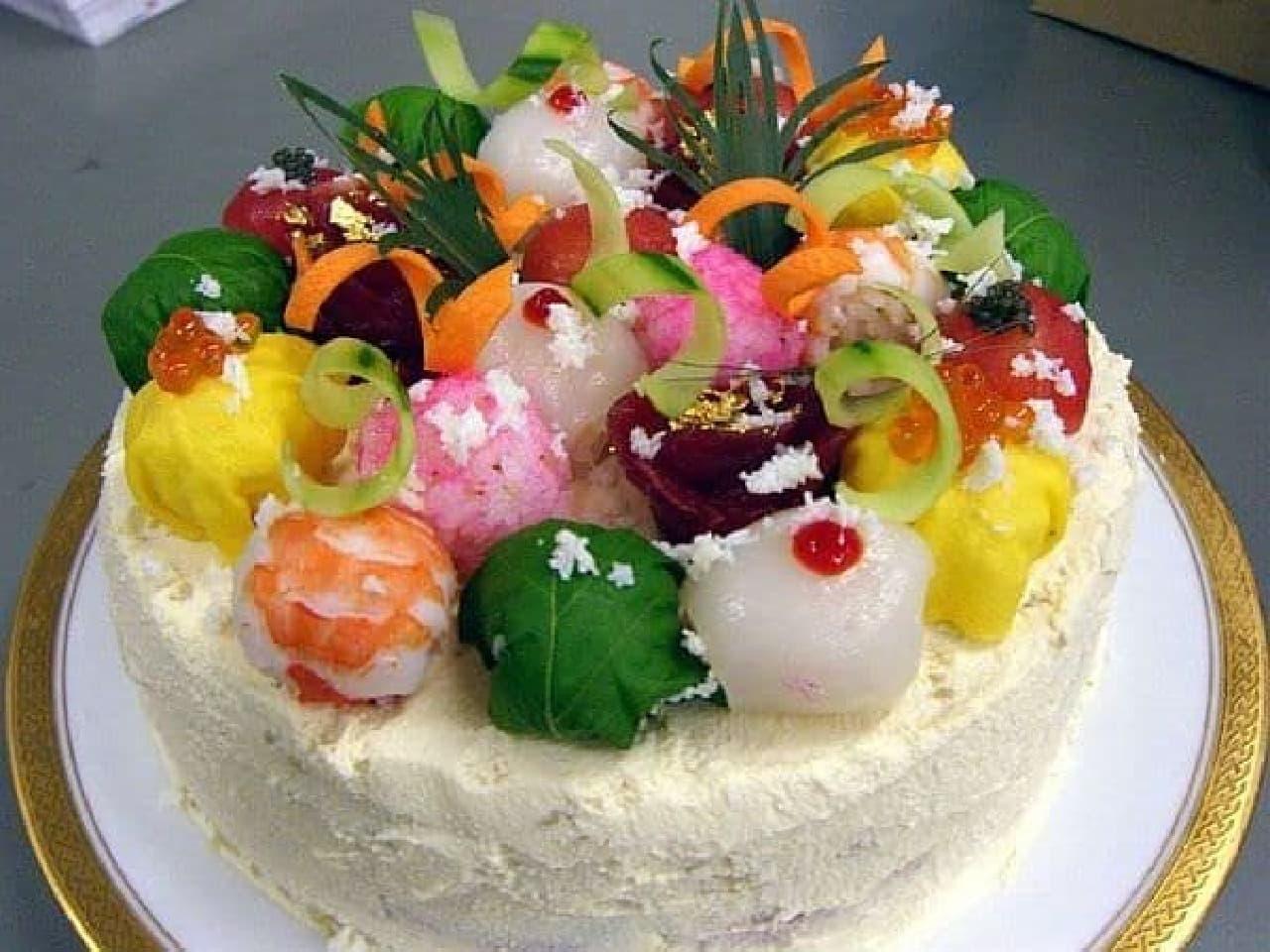 まるで本物のデコレーションケーキ!