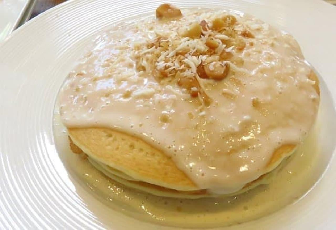 特に人気が高い「ココナッツ パンケーキ」