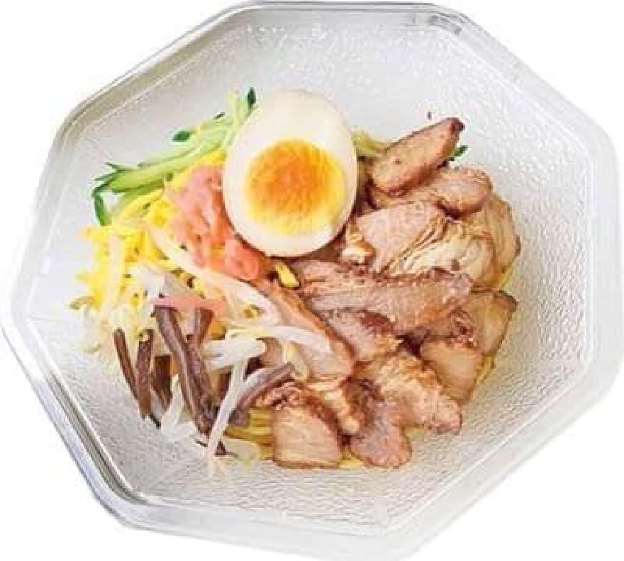 「さっぱり」「すっぱい」「ピリ辛」―夏向けにリニューアルされたローソンの冷し麺