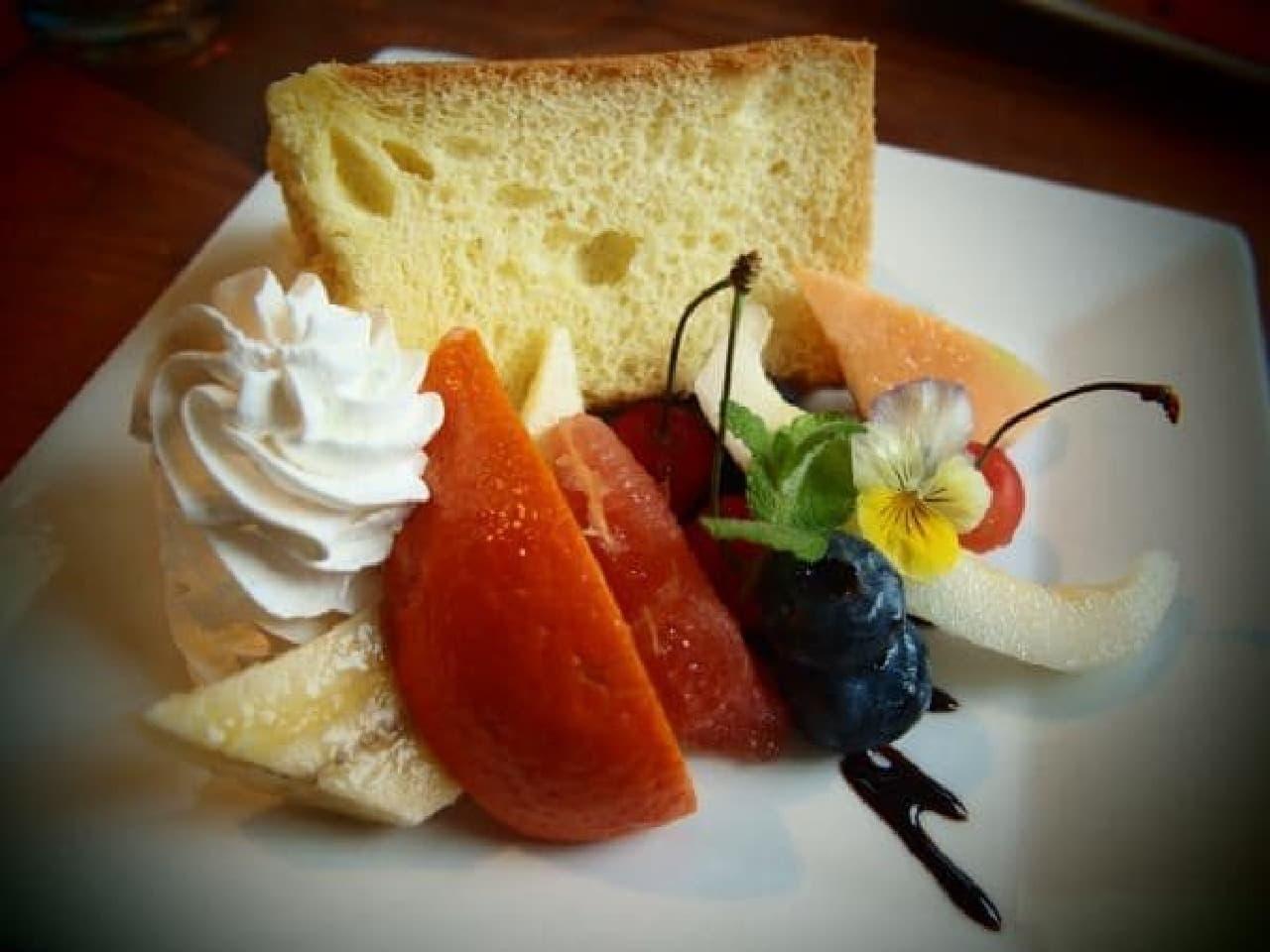 これがカフェ「木古里」のシフォンケーキ